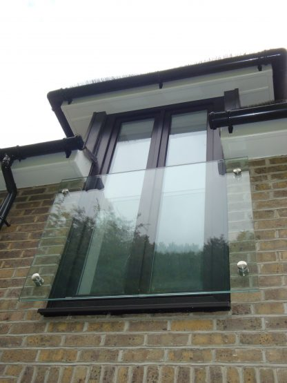 Frameless glass juliette balcony